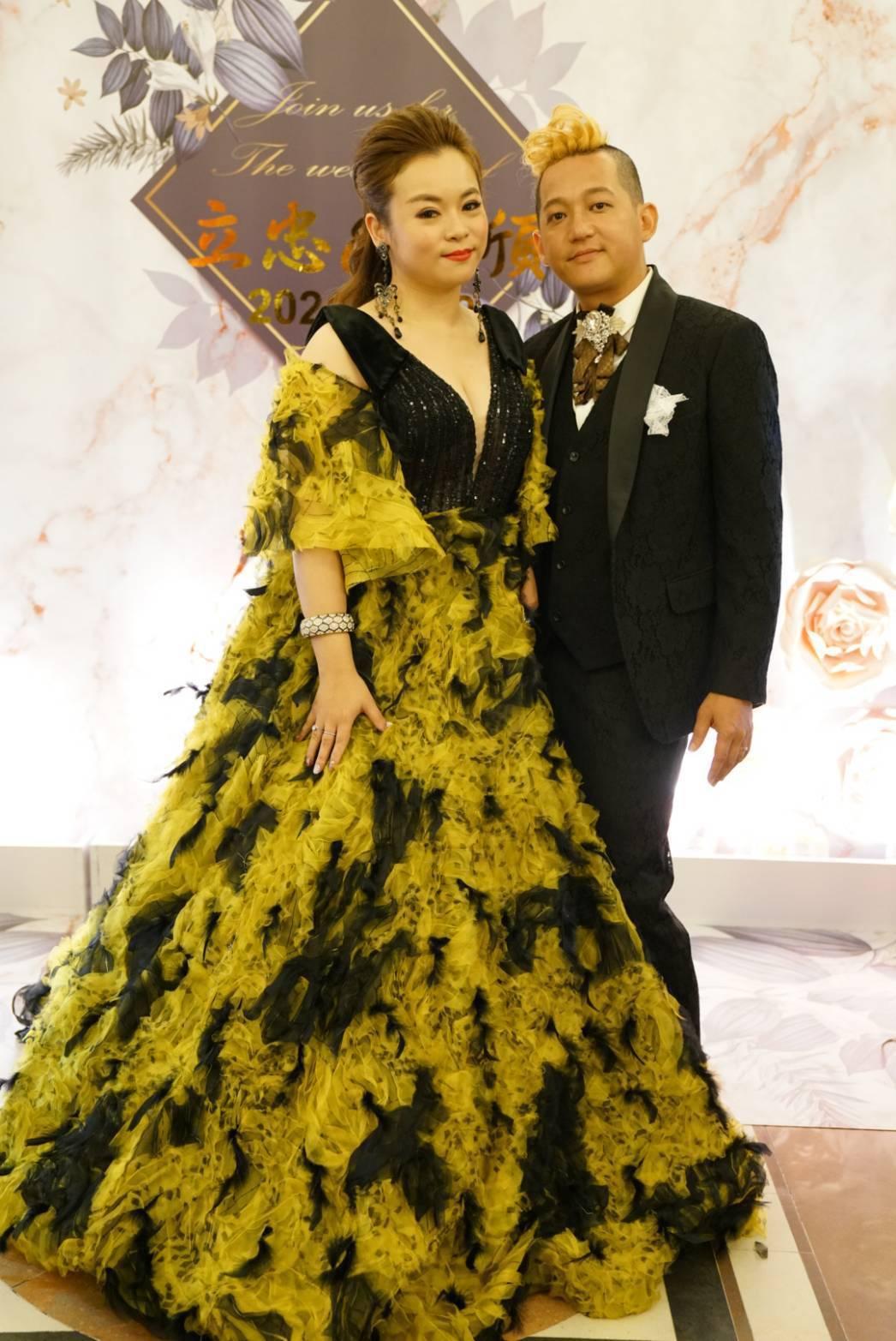 「戲説台灣」女星徐紫淇(左)喜嫁金門族。圖/萬鴻提供