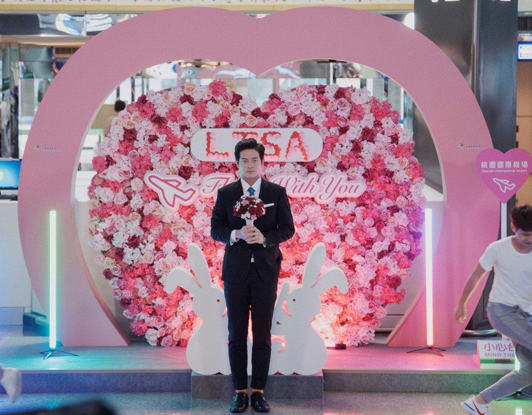宥勝在「戒指流浪記」中大跳求婚舞。圖/HBO Asia提供