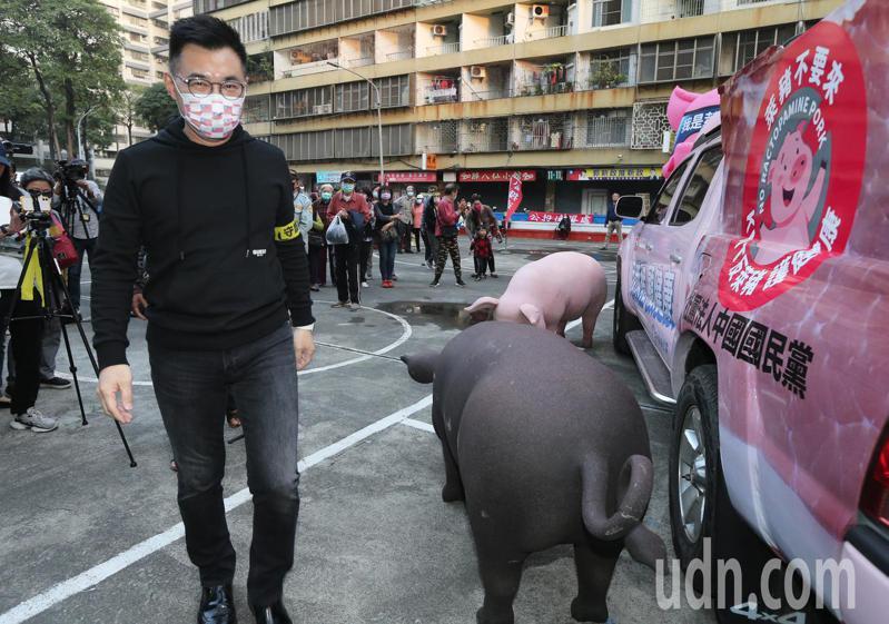 國民黨主席江啟臣今日南下到高雄果貿社區宣導反萊豬公投。記者劉學聖/攝影