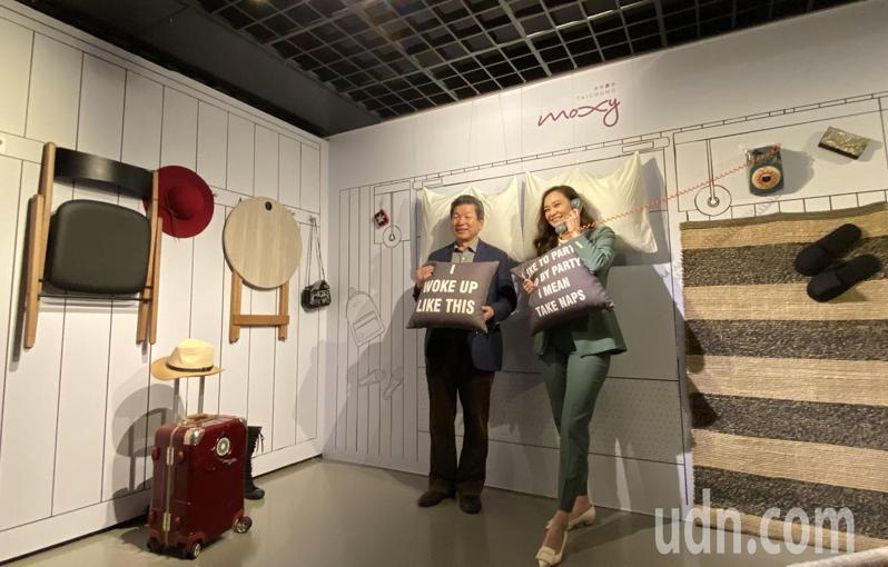 「斜槓藝術玩很大」藝術展中,可體驗入住潮牌酒店2D空間。記者趙容萱/攝影