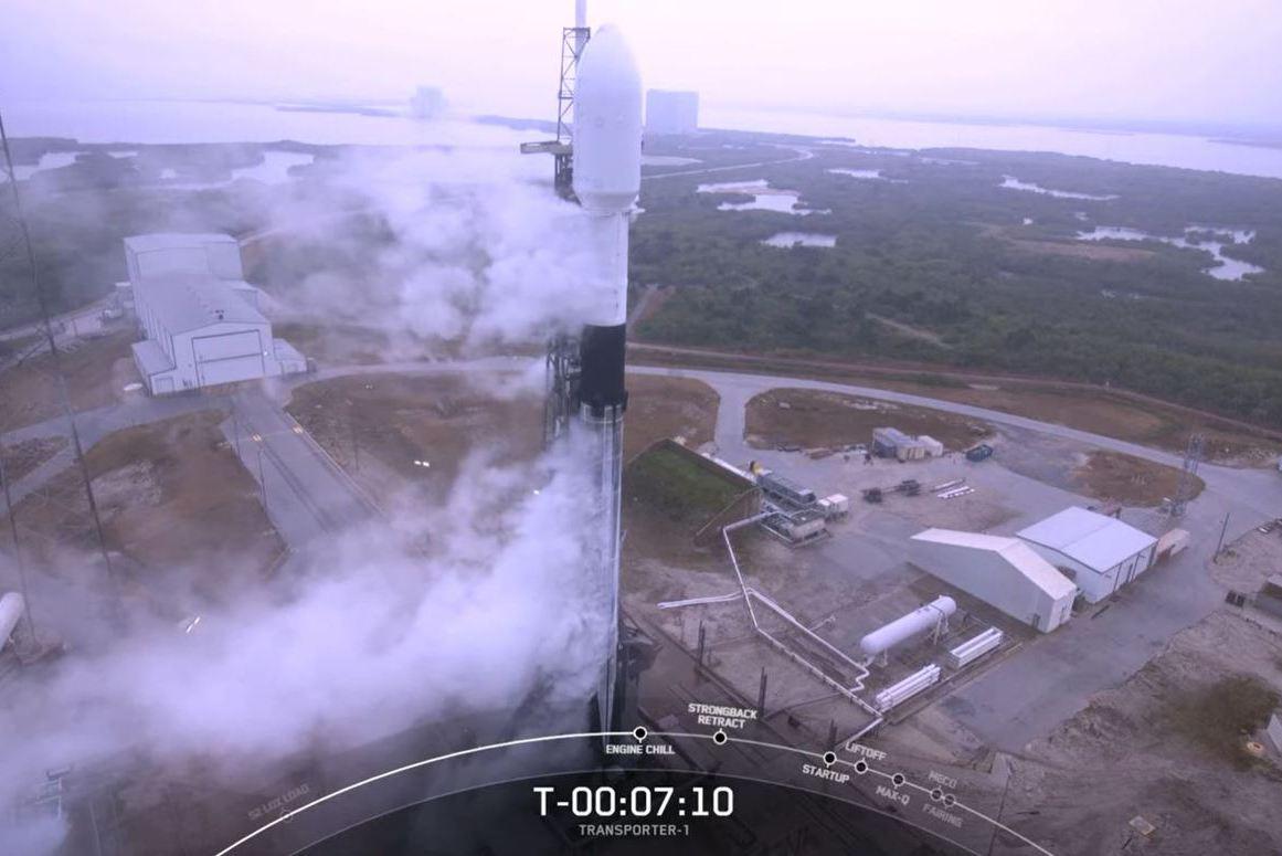 影/三度卡關!火箭發射場天氣差 我國立方衛星再延一天發射