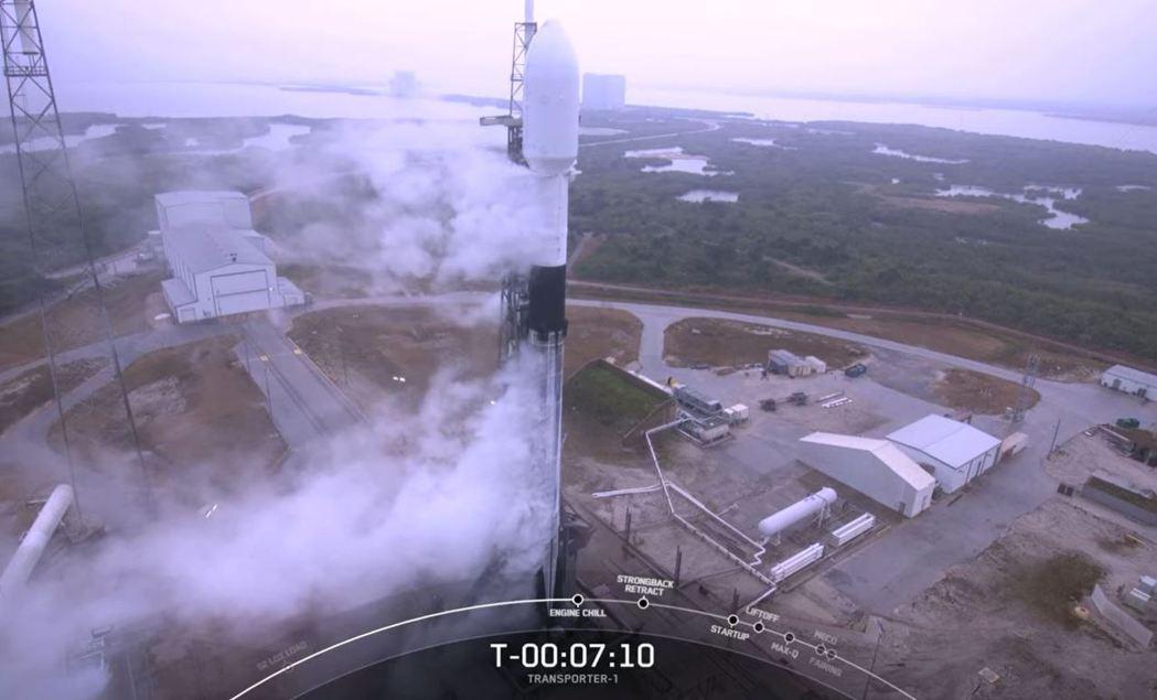 我國兩顆國產立方衛星「飛鼠」、「玉山」最快22時40分發射。圖/取自SpaceX...