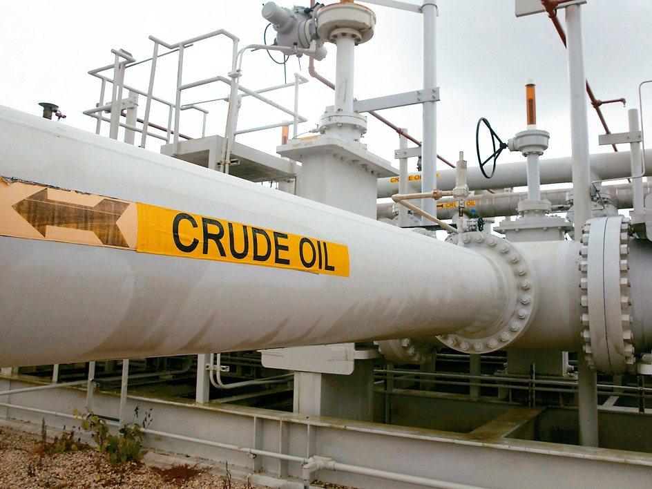 分析師與交易商看好油價後市表現。 (路透)