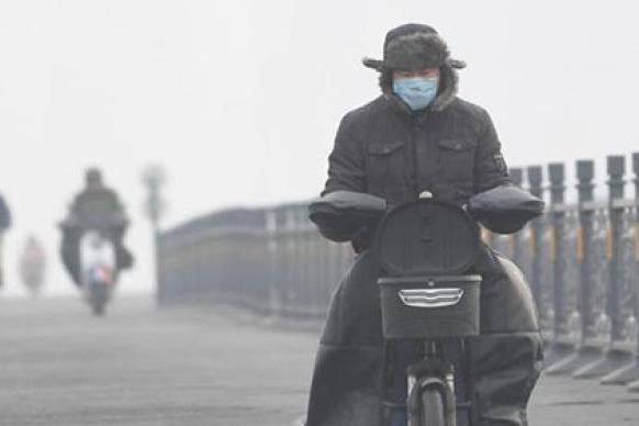 大陸中東部又見霧霾 49城啟動重度空汙預警