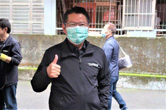 「2021 寒冬送暖惜食活動」由台北市小英之友會發起,總會長陳茂仁至現場參與。 ...