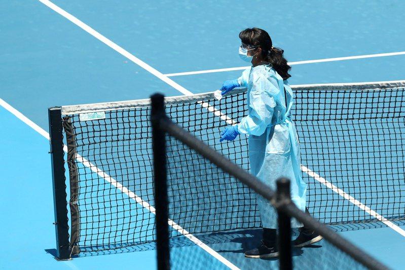 澳洲衛生官員表示,目前在墨爾本旅館隔離的澳洲網球公開賽選手和支援人員當中,還有9人染疫尚未康復。圖/路透社