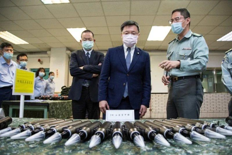 軍備局生產製造中心第205廠去年就曾公布自行試製的30公厘穿甲彈。圖/軍聞社