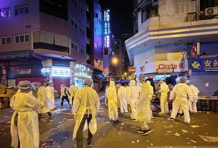 香港封區抗疫,已有6900人接受檢測。(澎湃新聞)