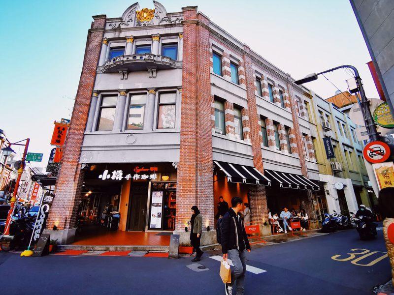 迪化街充滿中西合併的巴洛克風格建築。圖/北市工務局提供