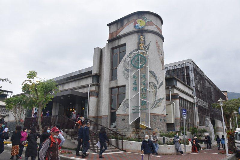 花蓮縣考古博物館今天正式開幕,由80萬文物輪流展出,試營運期間免費參觀。記者王思慧/攝影