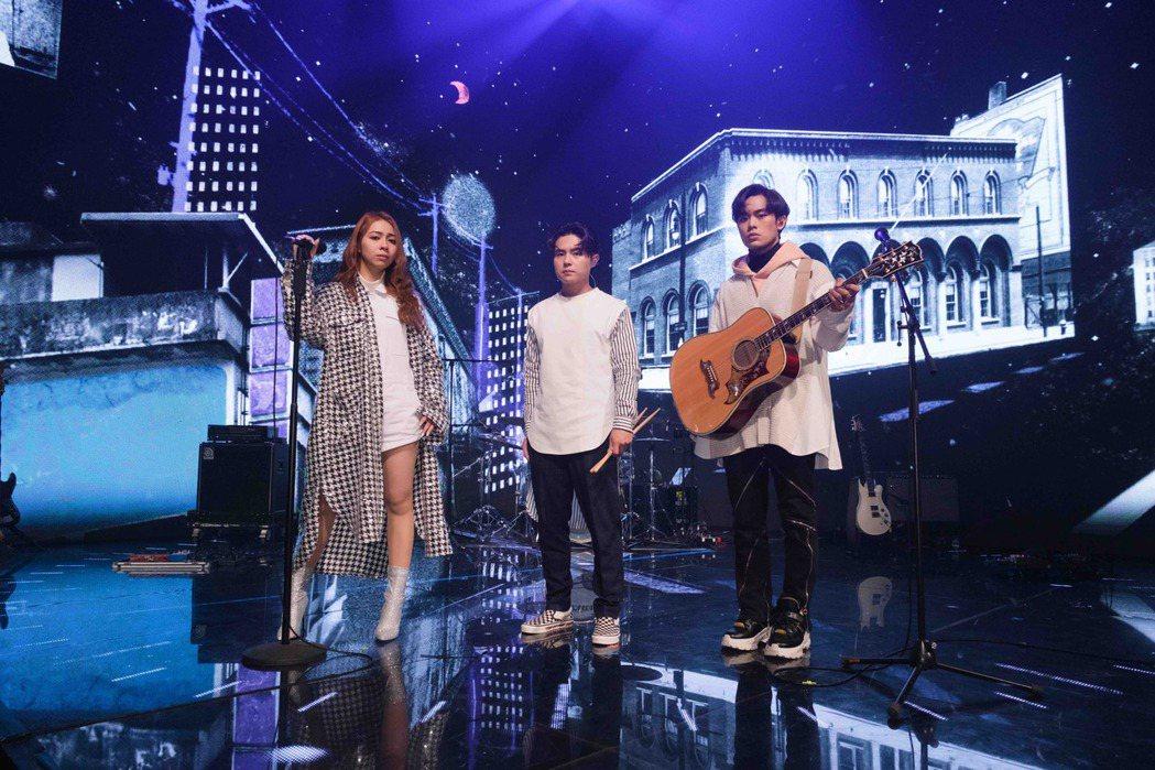 告五人參與TMEA娛樂音樂盛典。圖/騰訊音樂娛樂集團提供