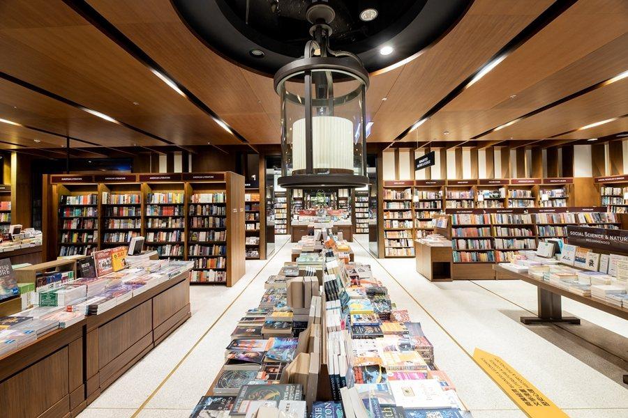 國際書展停辦後,有些書店通路與相關單位情義相挺,願意免費或優待場租協助活動進行。 圖/誠品提供