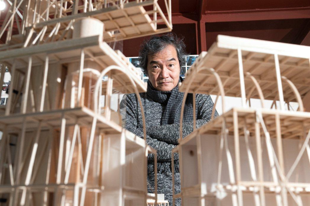 「山屋」這座遠觀如同違章建築,卻蘊含邱文傑對台灣建築的獨有見解。 圖/陳立凱攝影