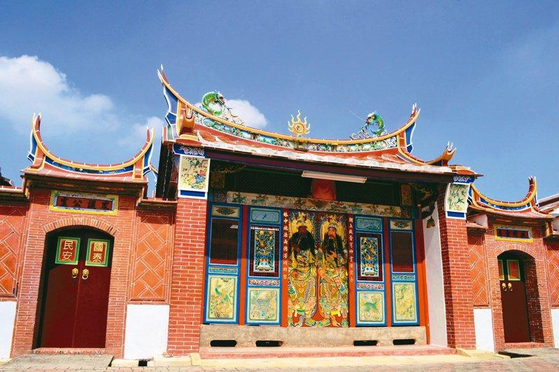 縣定百年古蹟朝林宮新貌。