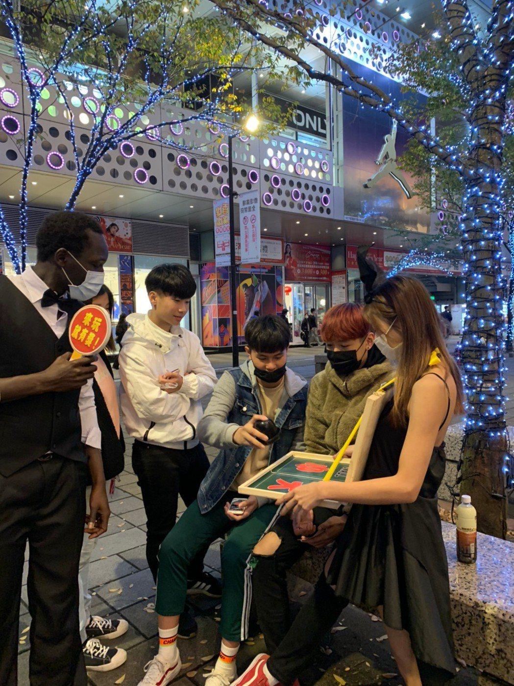 手遊業者更在新春時段推出「玩遊戲送購屋金」的活動。老子有錢Online/提供