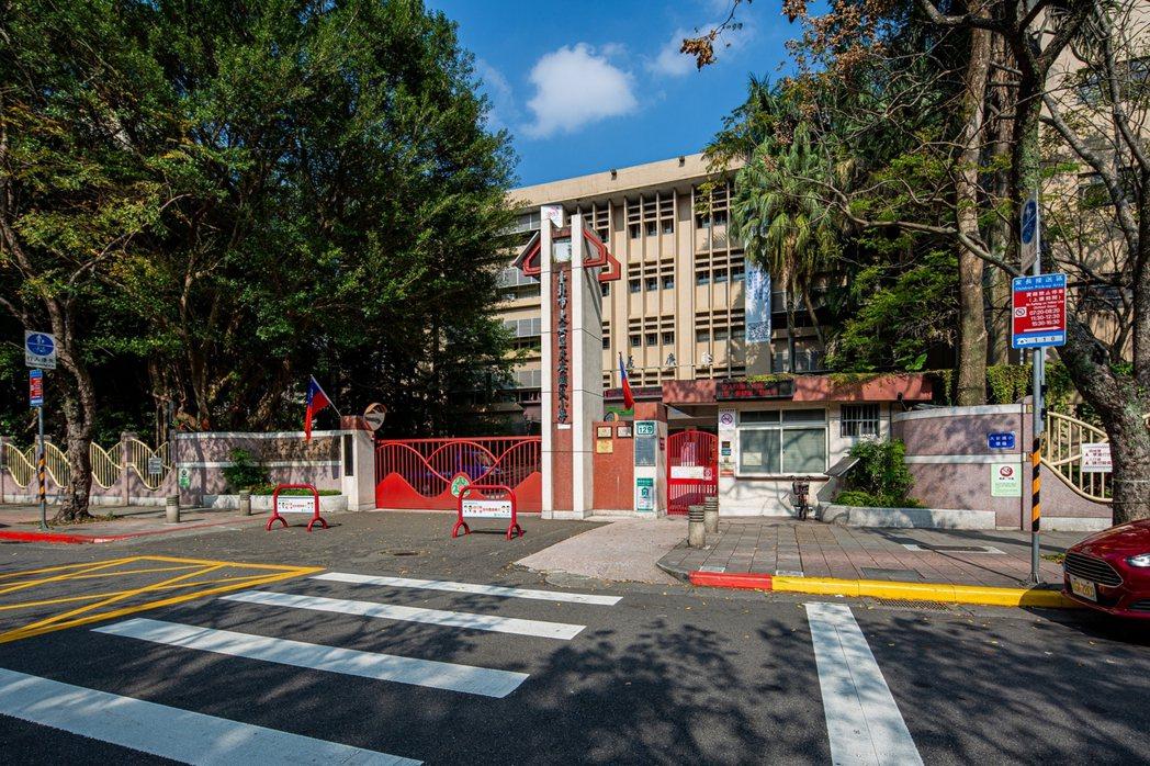 「大安文華」擁有學區優勢,鄰近教育部的種子學校大安國小。 業者/提供