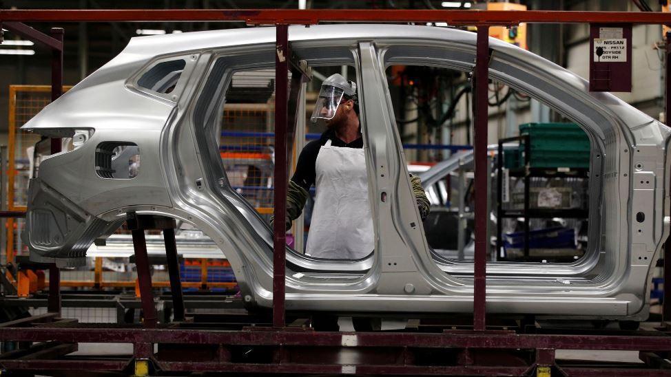 車用晶片短缺,已迫使全球各大車廠停產。路透