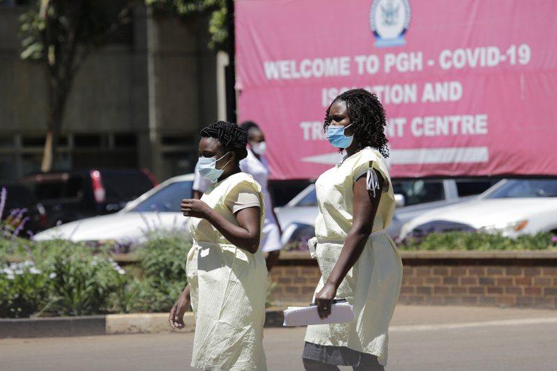 非洲國家辛巴威致力於遏止疫情蔓延之際,已有1005人染疫病故,並有3名內閣部長在過去10天因此喪命。圖/歐新社