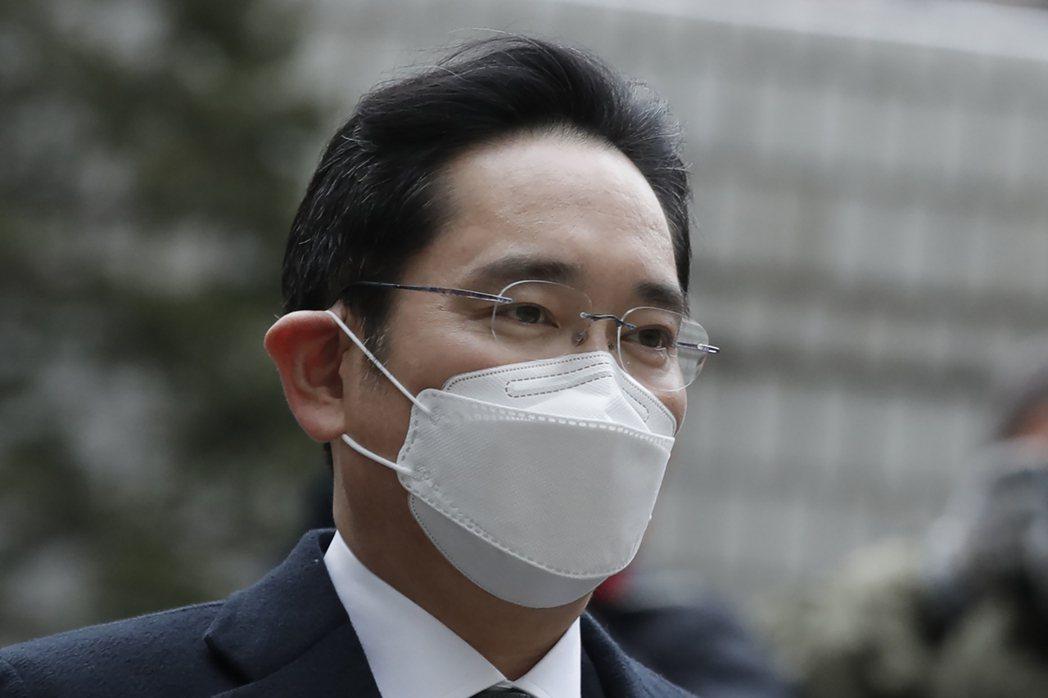 三星電子副會長李在鎔18日出席聆聽高等法院判決後被當庭羈押。美聯社