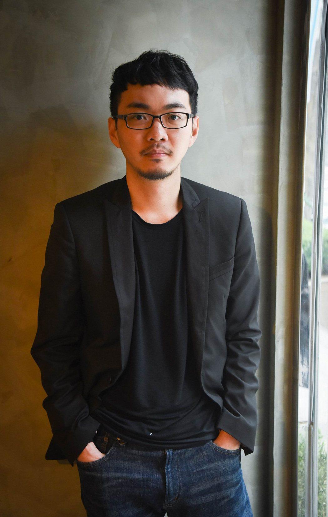 「緝魂」主題曲「不苦」由吳青峰獻唱,空靈感逼哭導演程偉豪。圖/威視提供