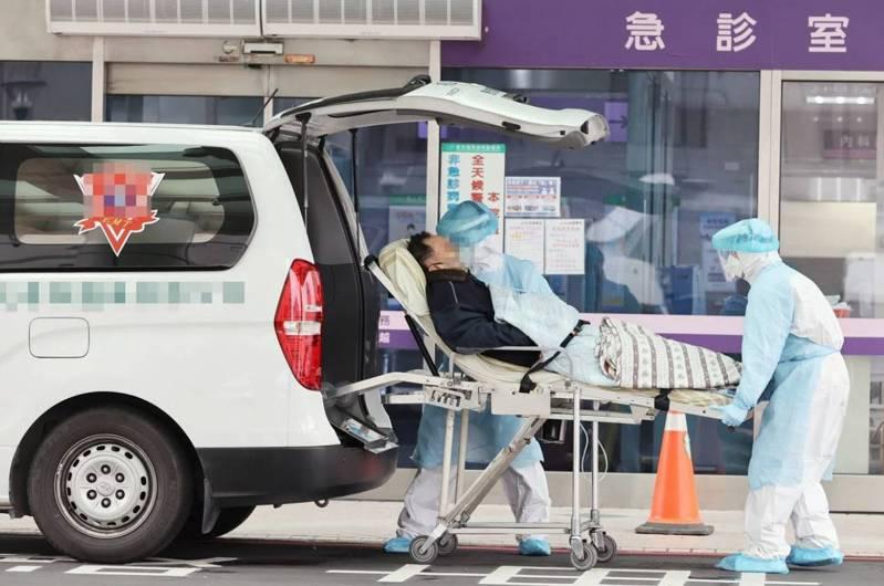 桃園部立醫院疫情擴大,指揮中心宣布將擴大回溯相關接觸者居家隔離措施。圖/聯合報系資料照片