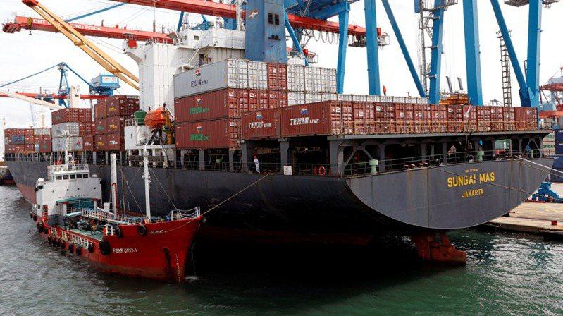 貨櫃航運示意圖。路透