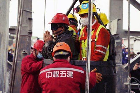 今年1月,中國山東的笏山金礦爆炸事故,迄今爆炸發生原因依然不明;主責笏山金礦開發...