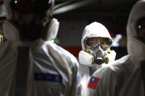 李尚仁/疫苗與疫情的賽跑——醫護接種的急迫性與挑戰