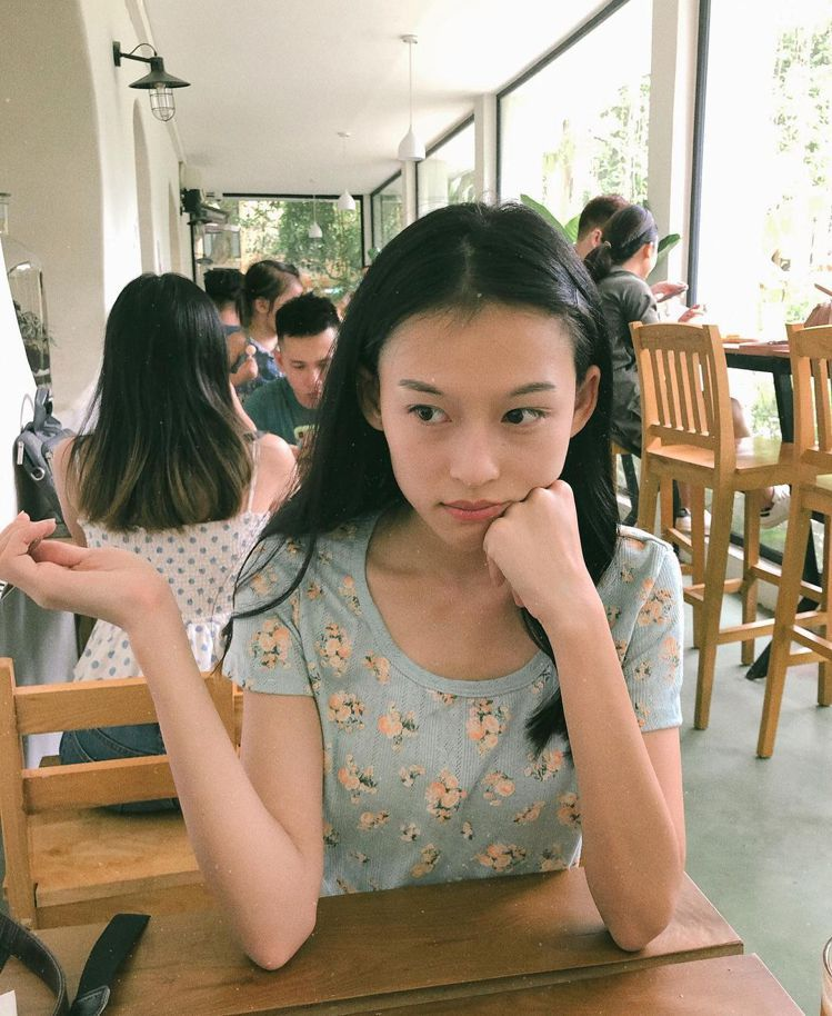 越南女模阮敏霞(Nguyễn Minh Hà)。圖/擷自IG
