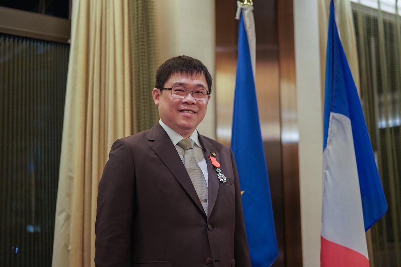 對法國有貢獻 張國煒獲頒法國榮譽軍團騎士勳位勳章