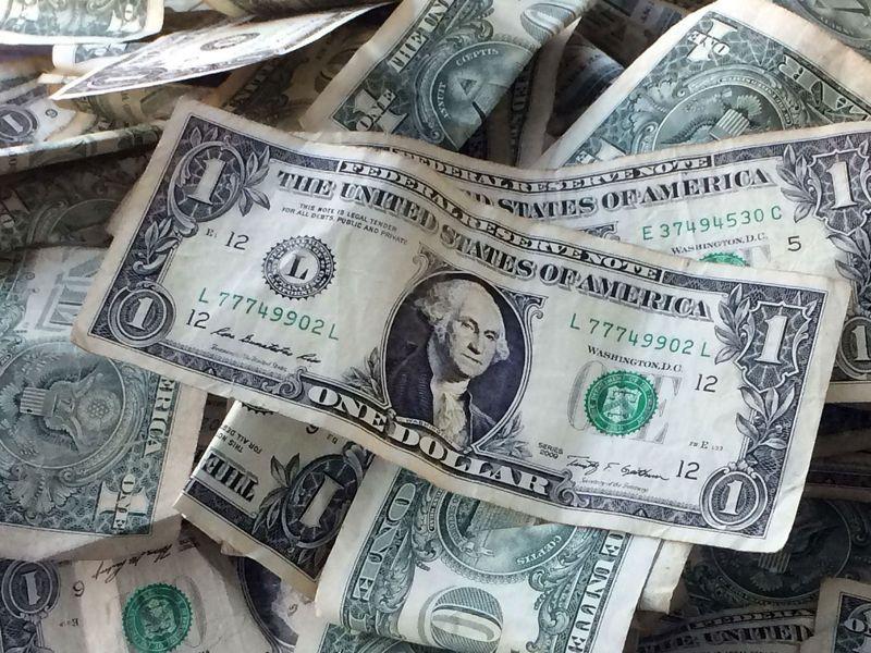 美元回落。路透