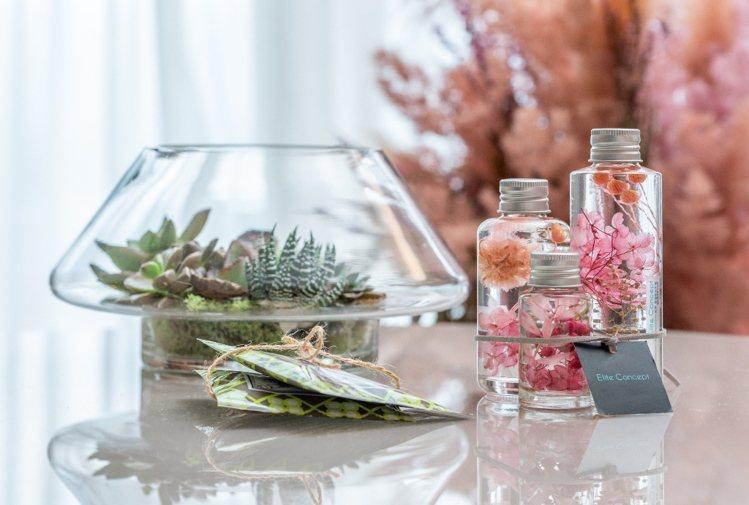 住客可將幸福植感帶回家。圖為日韓超夯的浮游花精品禮組,有如花在水裡飄動,隨手放在...