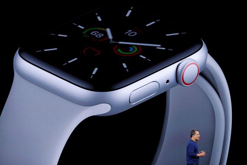 Apple Watch Series 7傳將推血糖監測功能。示意圖。路透