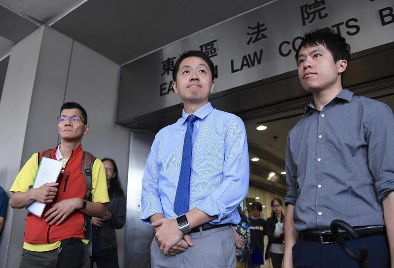 許智峯2018年4月搶走香港保安局女高級行政主任手機被判罪,他不服提出上訴,法官最後下令駁回上訴。圖/取自新浪網