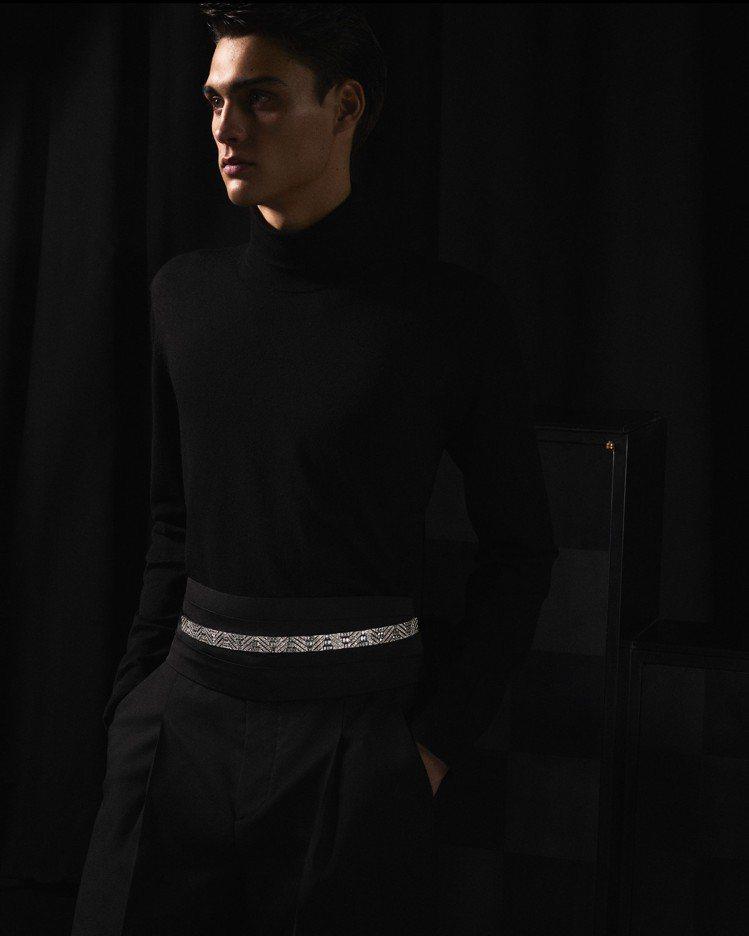 RUBAN DIAMANTS鑽石緞帶可當成男性燕尾服的鑽石腰帶,閃亮跨性別。圖 ...
