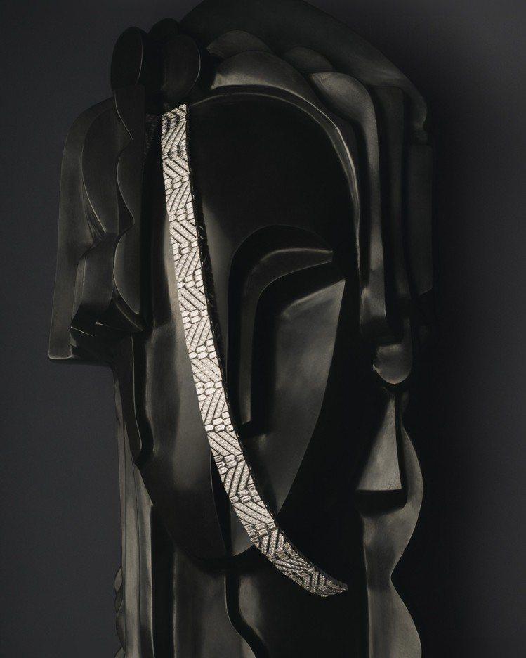 可變換成腰帶、手鐲、髮飾的RUBAN DIAMANTS鑽石緞帶,鑲飾681顆鑽石...