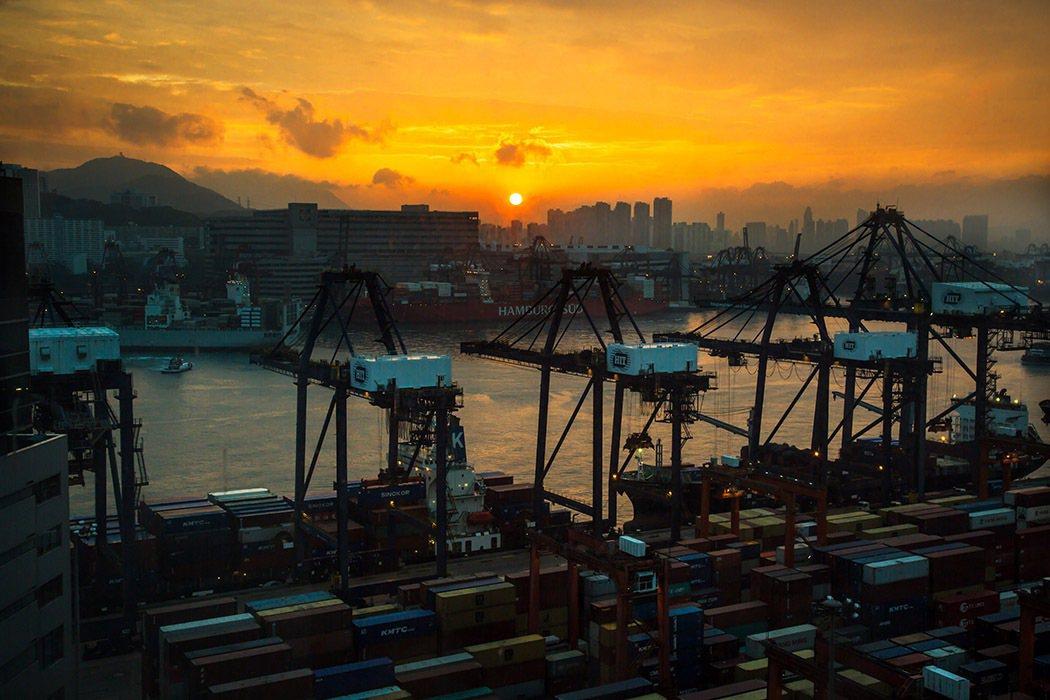 去年12月香港出口貨值較上年同期增長11.7%,是自2018年10月以來最大漲幅...