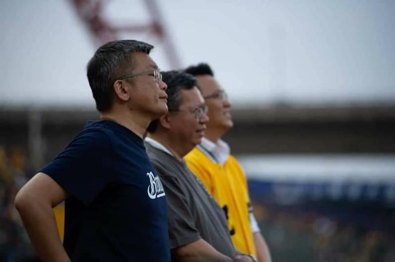 立法院副院長蔡其昌(左)近日直攻盧秀燕最擅長的中火議題,還提出藍綠合作解決。圖/取自蔡其昌臉書
