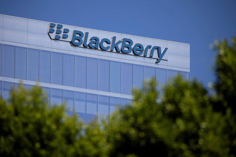黑莓公司與百度達成協議,將整合黑莓QNX Neutrino即時操作系統與百度高解析度地圖,並將應用於投入量產的廣州汽車新電動車Aion。路透