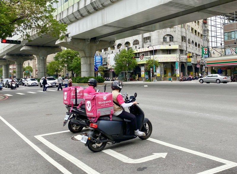 台中人2020年訂購foodpanda年度訂單總量名列全台第二名,僅次於新北市。記者宋健生/攝影