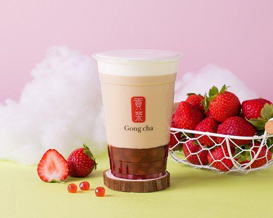 奶蓋草莓寶石拿鐵,南部每杯90元,北部每杯95元。圖/貢茶提供