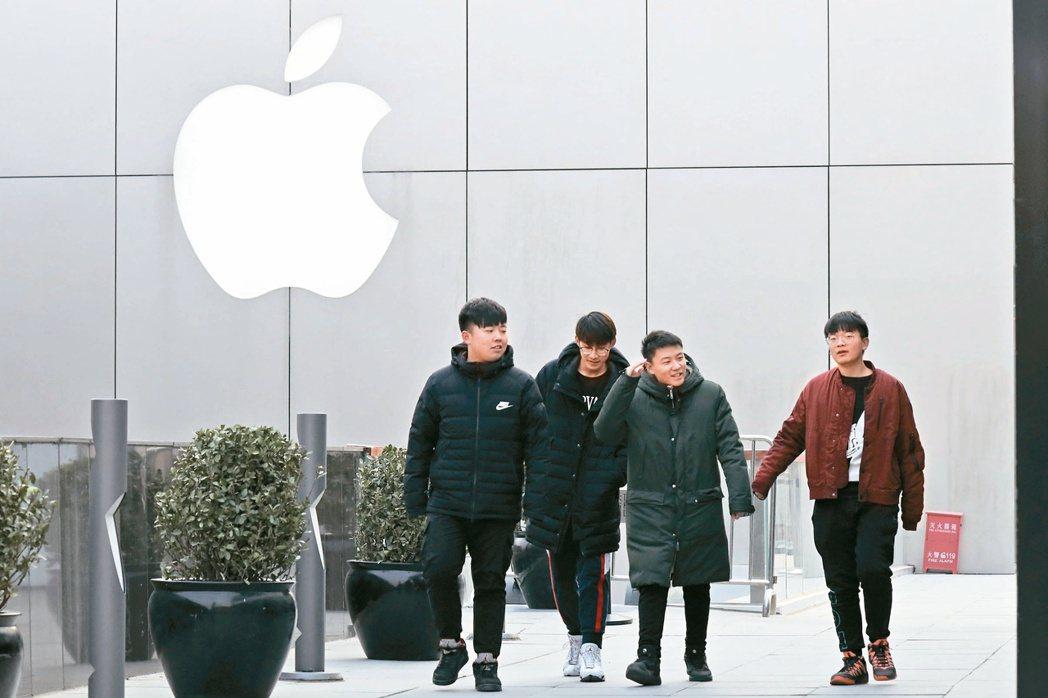 蘋果硬體部門主管里喬(Dan Riccio)將轉任新職,主導新計畫,外界對這件人...