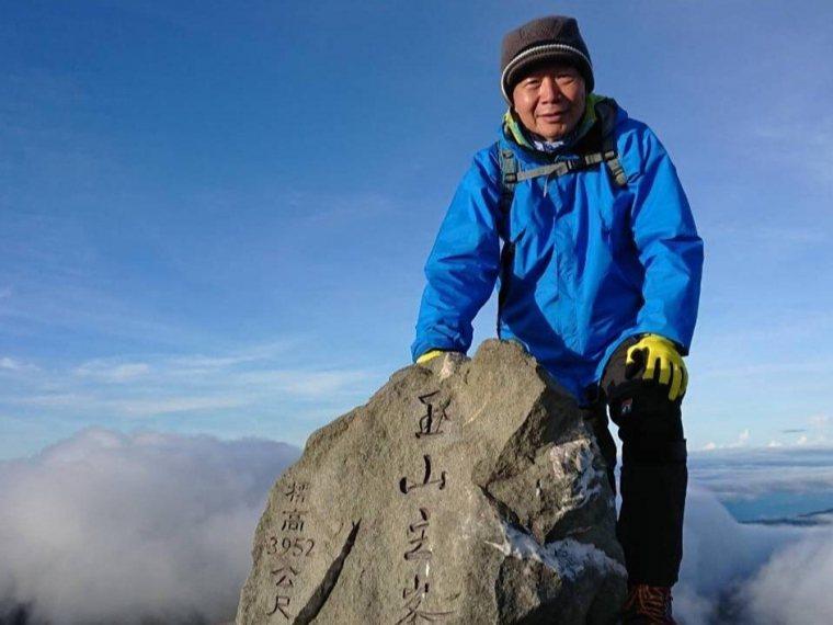 去年因為疫情無法出國,陳煌銘轉而去爬台灣最高峰——玉山。 圖片/陳煌銘提供