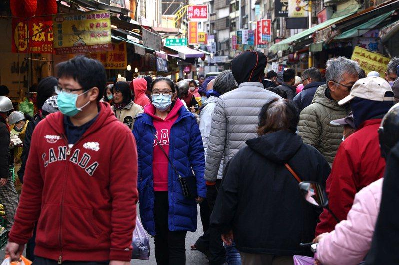 台北市長、民眾黨主席柯文哲今表示,若出現1000例在醫院,大概就一定要封城,是最嚴重的情形。 圖/路透社