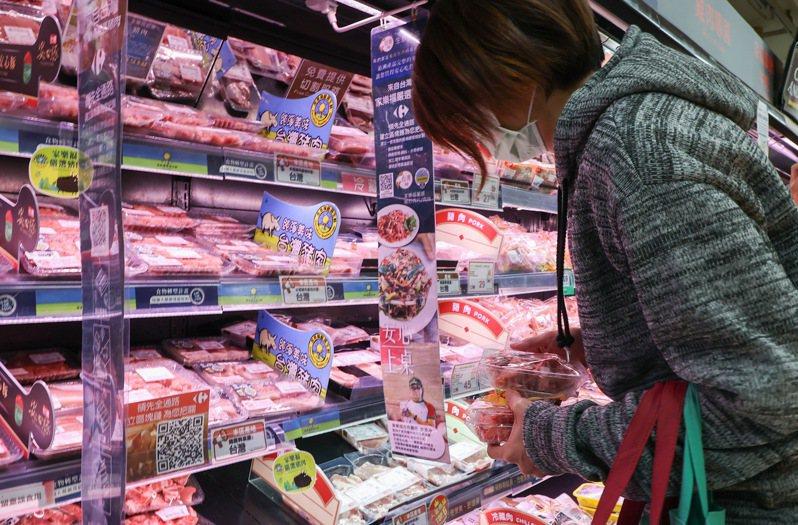 中共國台辦昨天宣布,嚴禁進口含有萊克多巴胺的肉類產品輸入,因此嚴禁台灣生產的或經台灣地區轉運的肉類產品輸入。聯合報系資料照片/記者余承翰攝影