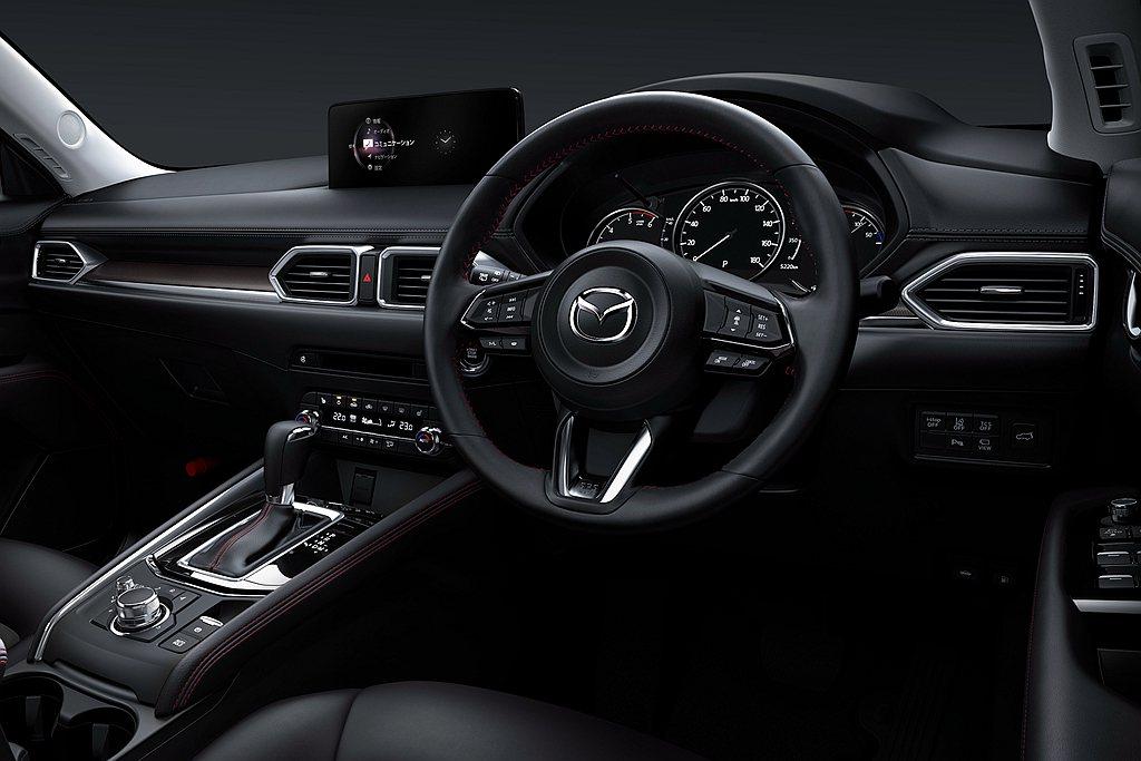 Mazda也針對SkyActiv-Drive 6AT自排變速系統的靈敏度和邏輯進...
