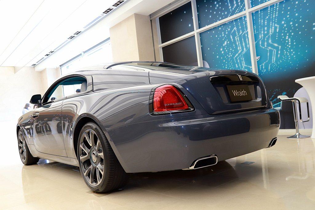 勞斯萊斯Wraith Kryptos隱匿之鑰特別版車型將密碼作為設計項目貫穿車內...