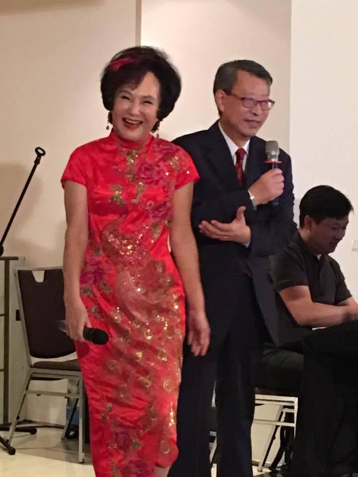 胡錦(左)和顧安生鶼鰈情深超過40年。圖/摘自臉書