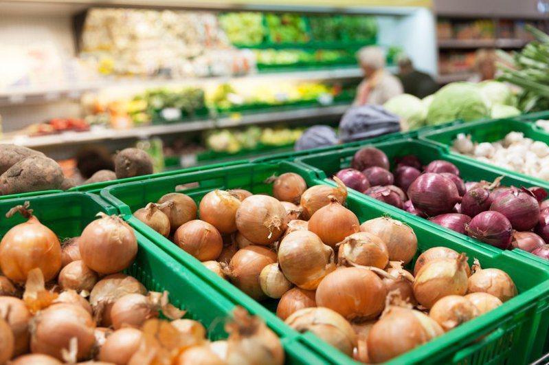傳統市場通常會販售各式各樣的生鮮食材。 圖/ingimage