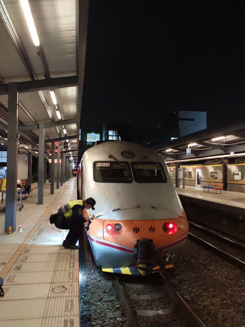 台鐵中壢-埔心站間發生死傷事故,造成雙向列車延誤。圖/台鐵提供